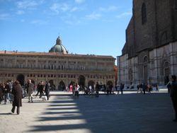 Piazza Maggiore 1 - Bologna