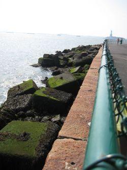 Gov Isl - harbor rocks 2
